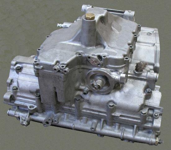 """Картер двигателя мотоцикла """"Suzuki"""". Восстановлен выломанный участок корпуса с резьбовым отверстием"""